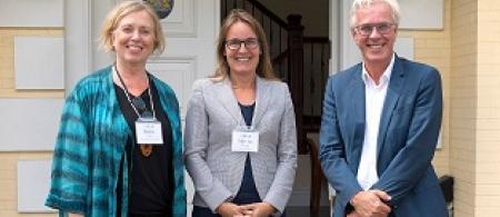 Robin Cox, Marsha Wagner and Dutch Consul-General Henk Snoeken