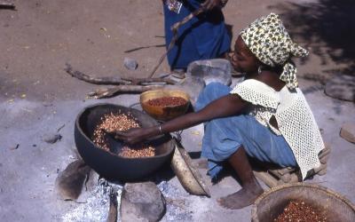 Food preparation in Senegal